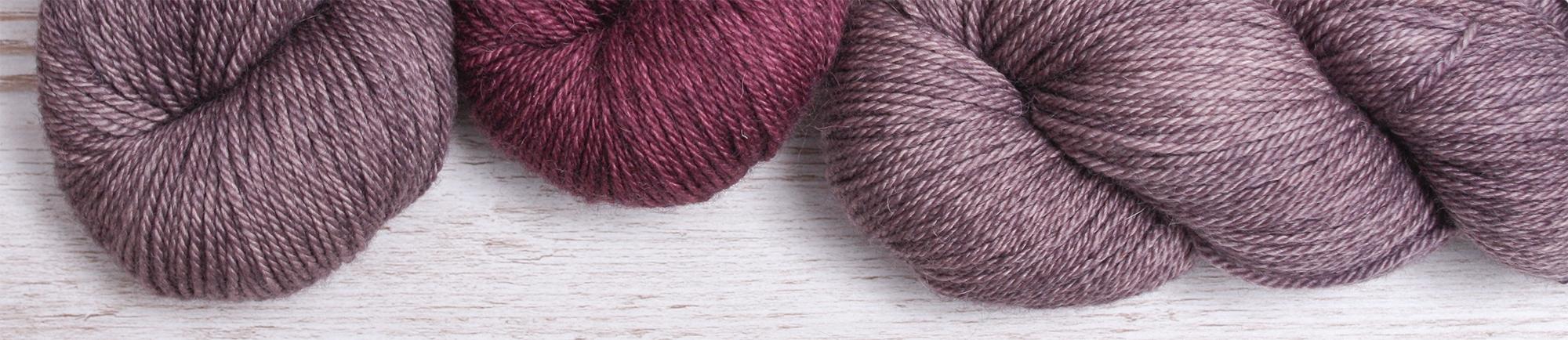 Handgefärbte Wolle und Garne