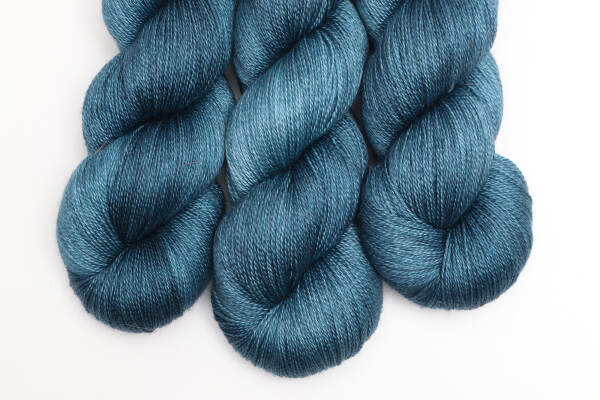 Silkenmer Lace SW | Quiet Storms